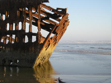 http://oregoncoast.ca/images/shipwreck.jpg
